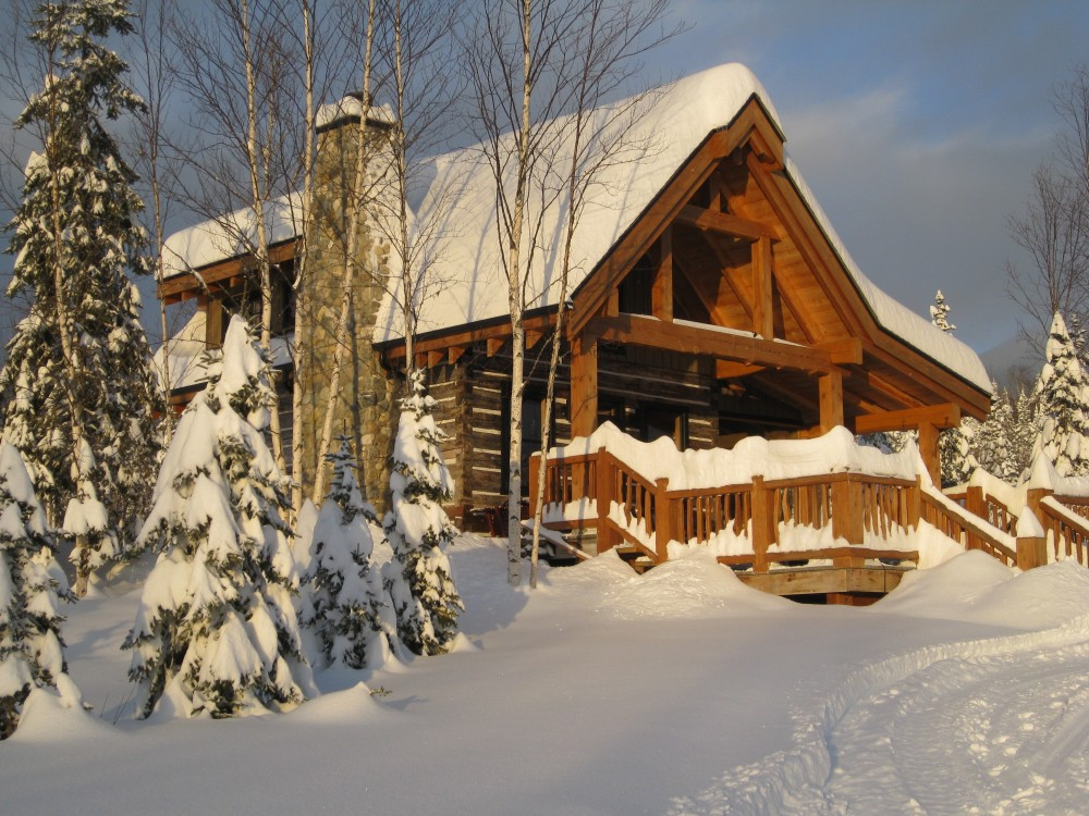 bearpaw heli-skiing lodge